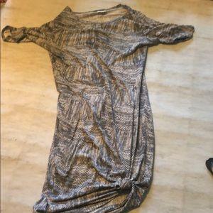 Dresses & Skirts - Lularoe T-shirt dress